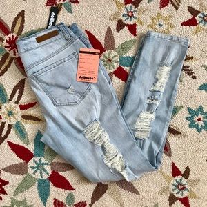 🆕Skinny Distressed Light Wash Jeans SUPER UNIQUE
